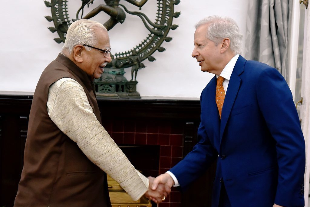Such a pleasure to meet with Governor Ram Naik in the charming city of #Lucknow. Productive discussion on areas of cooperation to ensure a strong #USIndia relationship. #USinNorthIndia