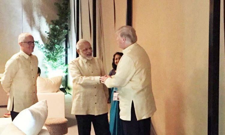 President Trump meets PM Modi in Manila. #USIndiaDosti on the sidelines of the #ASEAN Summit!